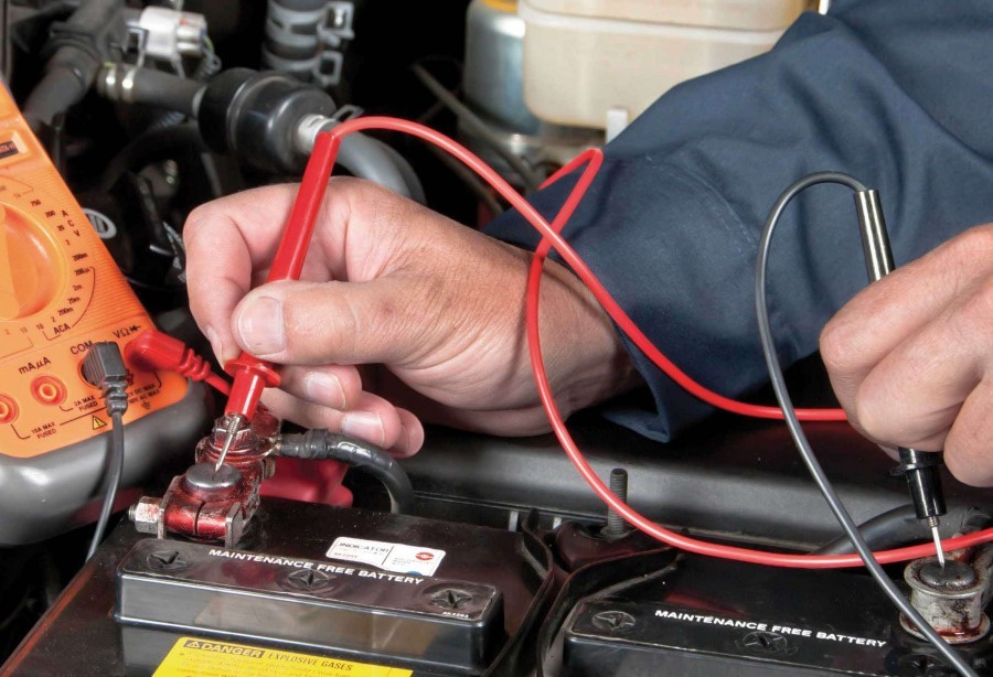 Как проверить исправность аккумулятора автомобиля