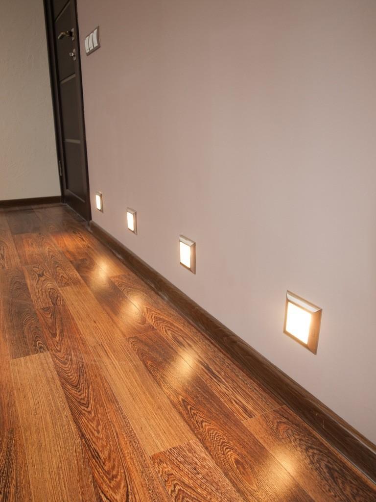зонт вентиляционный, светильники для подсветки пола в коридоре сверке