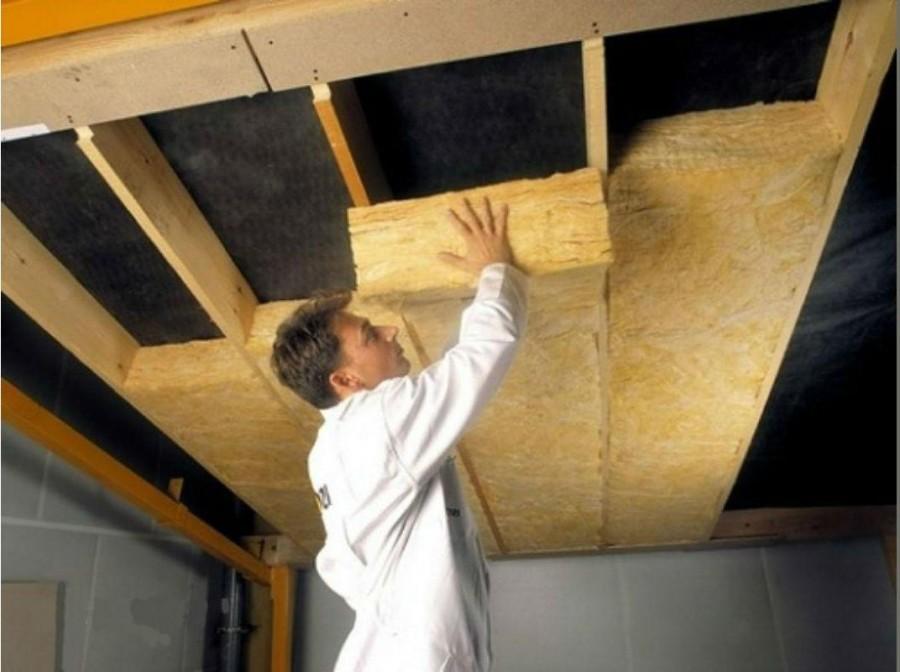 Утепляем потолок в частном доме своими руками